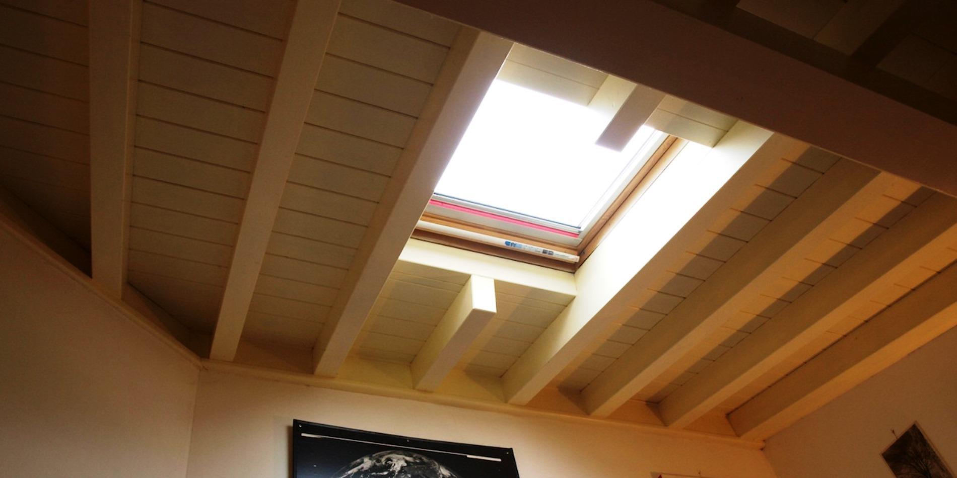 Bozza cav rainieri tetti e strutture in legno for Montaggio velux costo